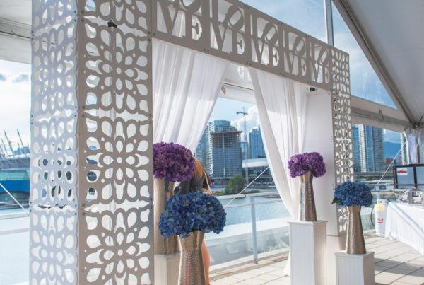 Wedding - LOVE Arch