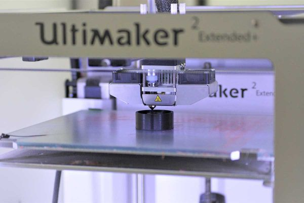 ultimaker-plexiglass-barrier-shop-photos